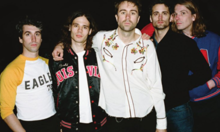 Intervista ai The Vaccines, di nuovo sul ring con Combat Sports