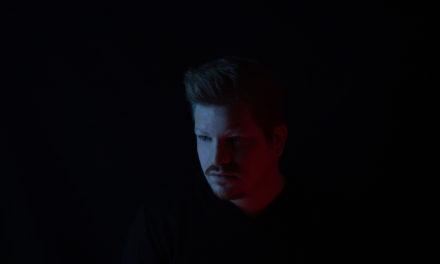"""Matthew S ci racconta il suo debut album """"FIRST"""" traccia dopo traccia"""