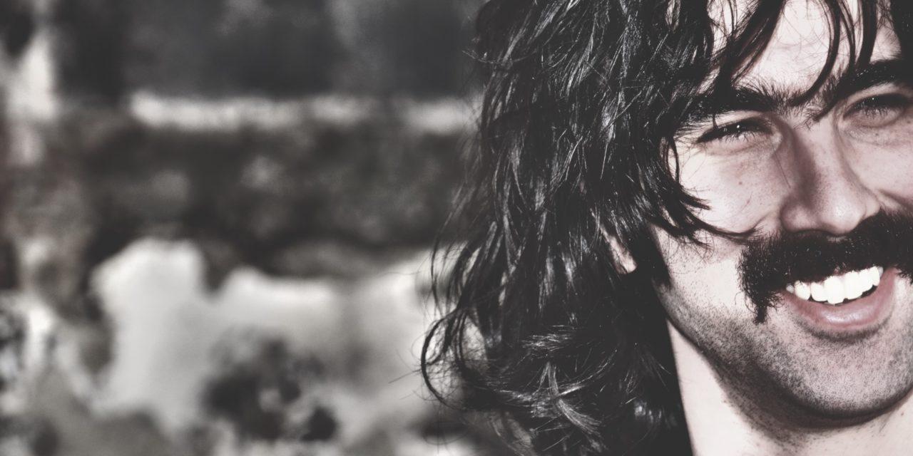 Andrea Laszlo De Simone: un disco d'amore a mia insaputa [intervista]