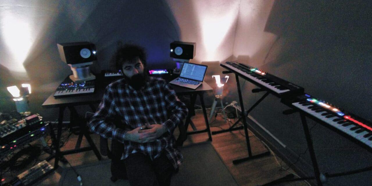 Matteo Brioschi dietro ai beat di cmqmartina: il producer ci racconta come nasce la sua musica